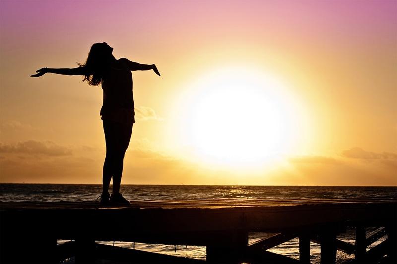Terapia słońcem – zagrożenia i zalety